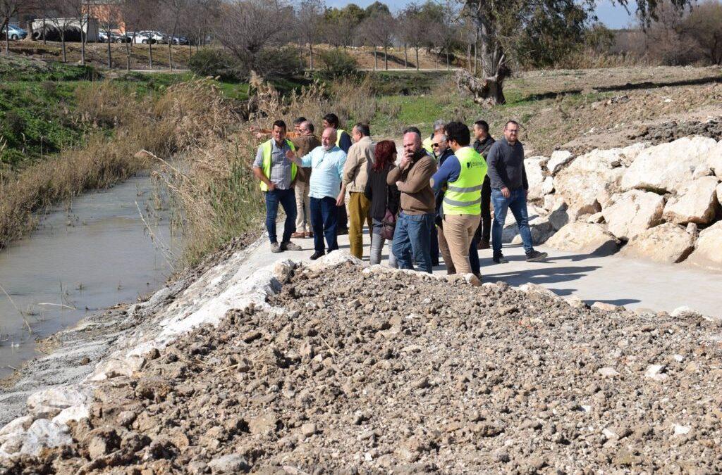 El Ayuntamiento de Puebla de Cazalla ultima las obras del Corbones para evitar inundaciones.